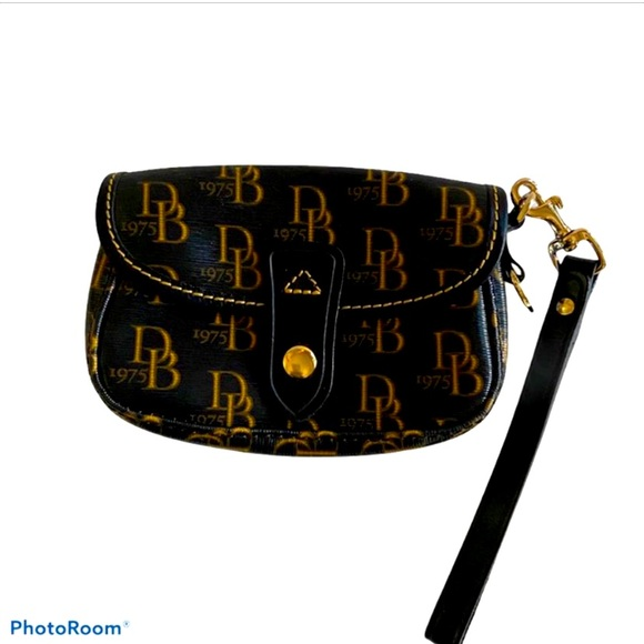 D&B 1975 Leather Brown Wristlet Flap Over